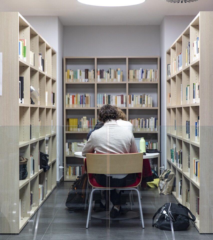 po-biblioteca-collegio-einaudi-4